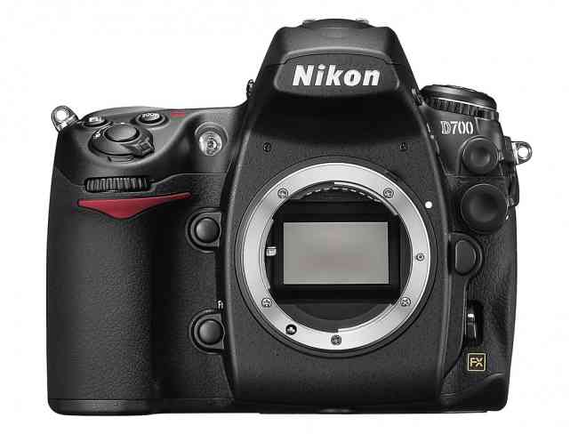Nikon D7000 16MP DSLR Camera Body